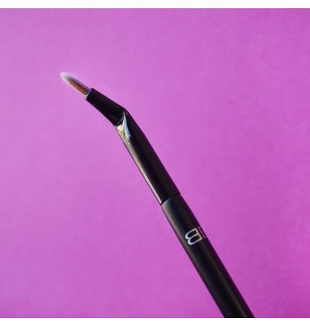 Beter Elite Bent eyeliner brush